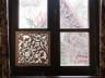 dekoracja okna - koronkowa firanka z drewna lipowego