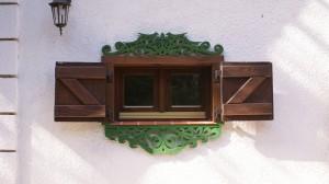 Ażurowe zdobienia okien - drewniany nadokiennik ptaszki wzor 1 - 05
