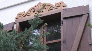 Ażurowe zdobienia okien - drewniany nadokiennik wzor 3 - 01
