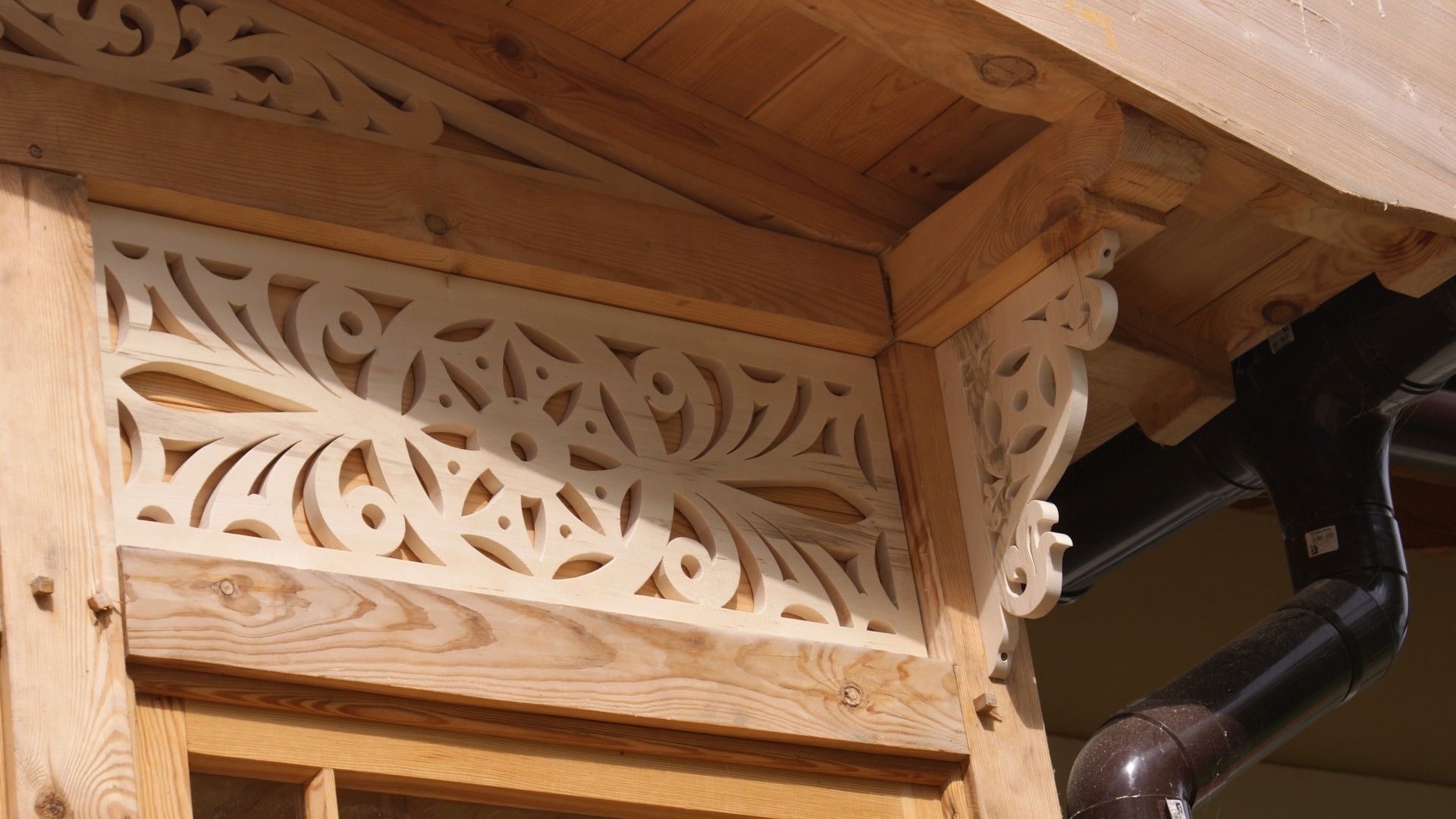 realization in mostkowo - decorative lace in a new porch