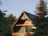 Sztutowo - nowy dom z ozdobą drewniana szczytu